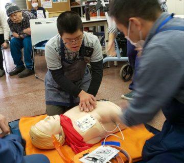 AEDを体験