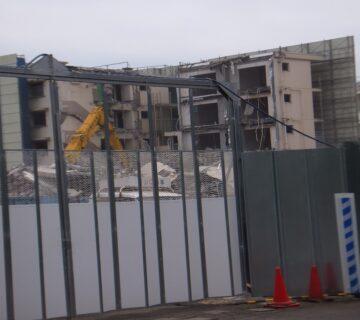築50年近いため、取り壊しが進んでいます。