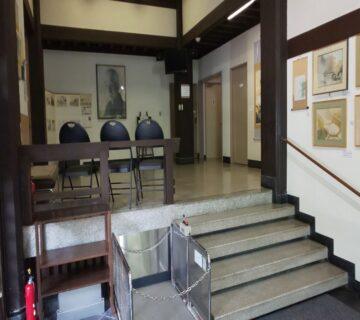 美術館は、日本画の巨匠、なんでも鑑定団でもお馴染みの「川合玉堂」の記念館となっておりました。巨匠は、昭和32年に亡くなるまでの10年余りを御岳の地で過ごされ、日本の芸術文化の振興に貢献されたことから、没後4年目の昭和36年に開館されたそうです。