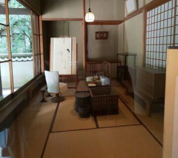 復元された川合玉堂の晩年の画室です。